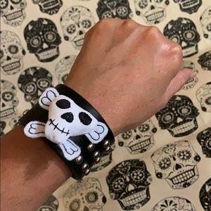 Creepy Skull 💀 cushion cuff Halloween jewelry